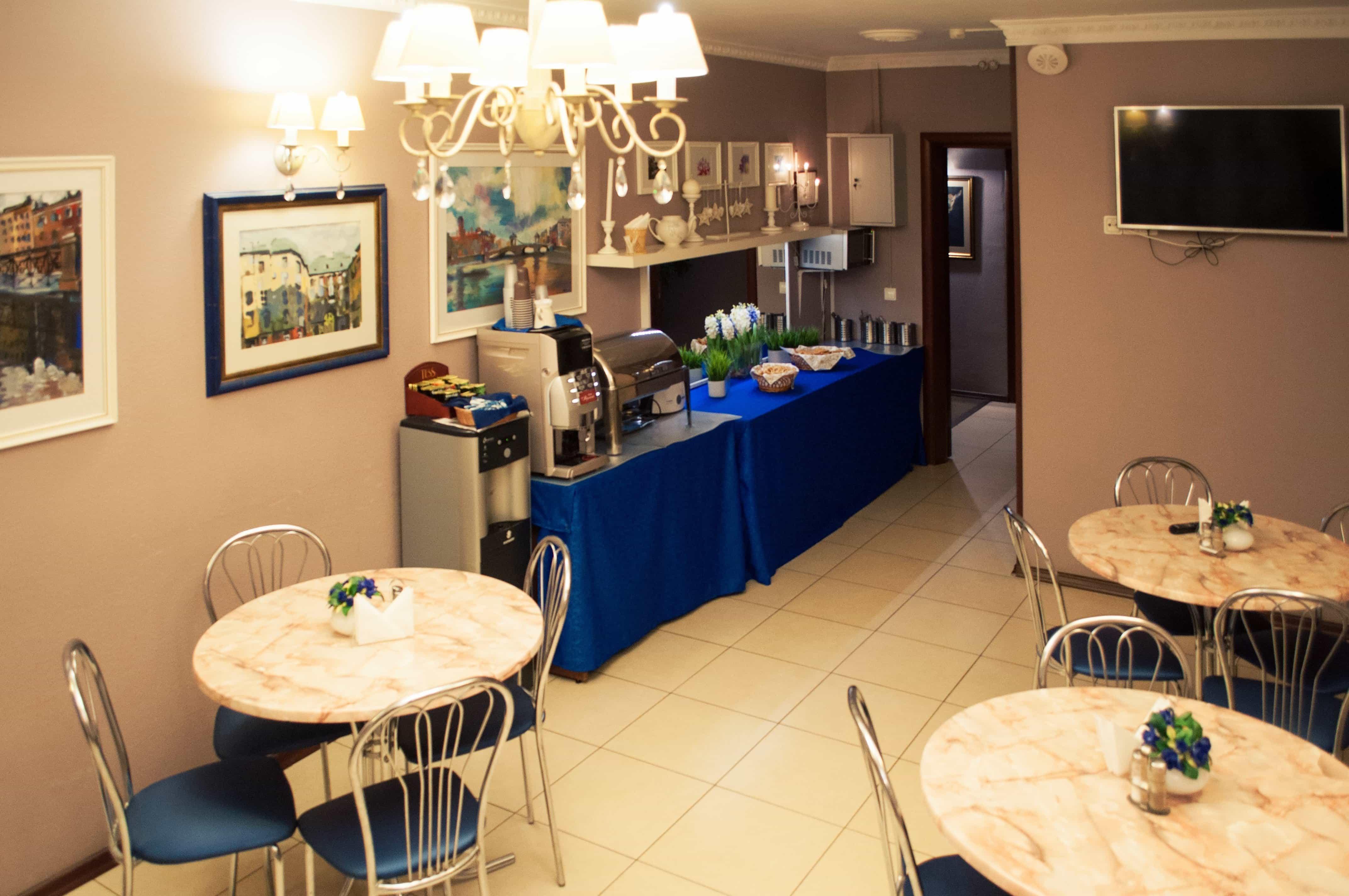 Кафе в гостевом доме Вернисаж